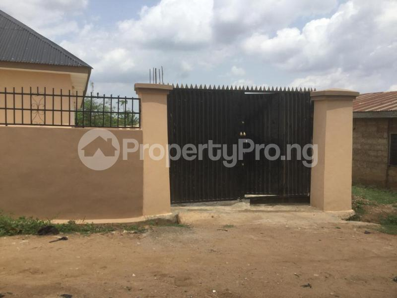 1 bedroom mini flat  Self Contain Flat / Apartment for sale Awotan, Apete,Ibadan Ibadan polytechnic/ University of Ibadan Ibadan Oyo - 3