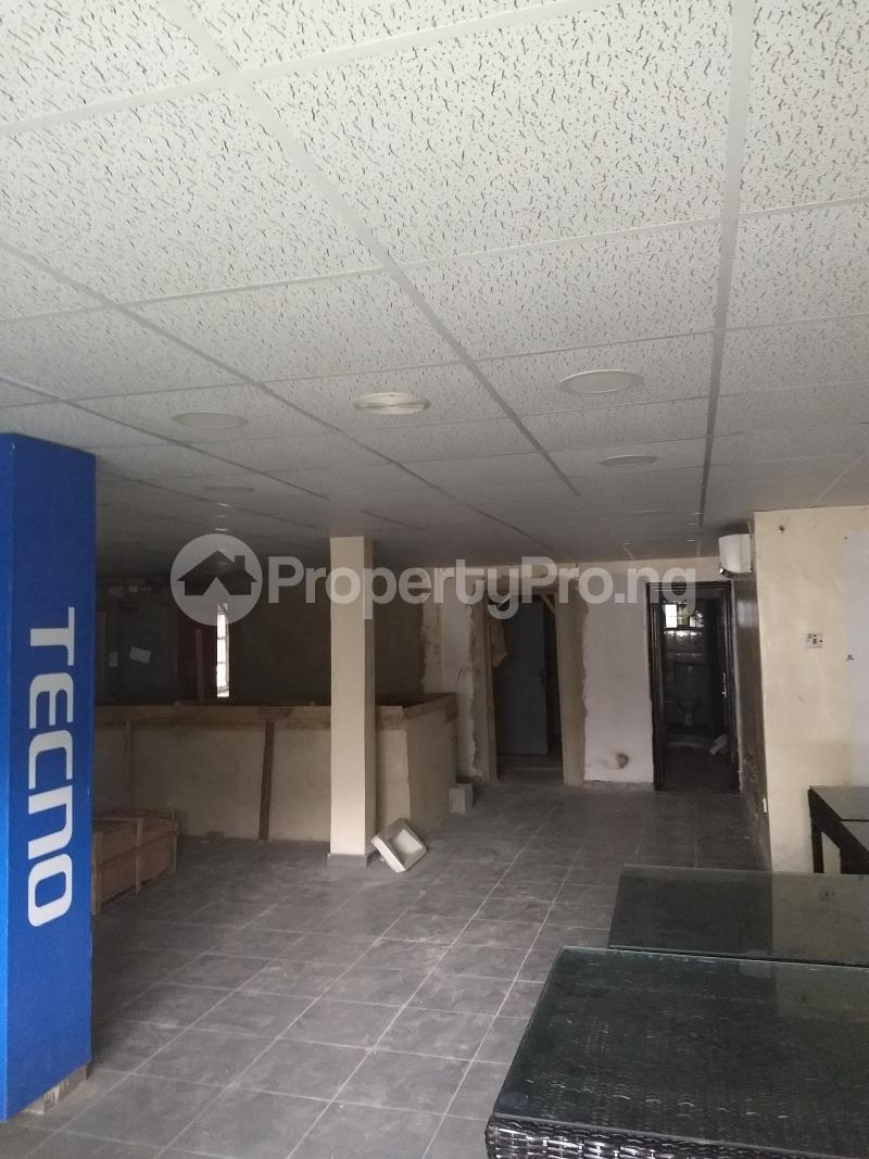 Show Room Commercial Property for rent bode Thomas Bode Thomas Surulere Lagos - 2