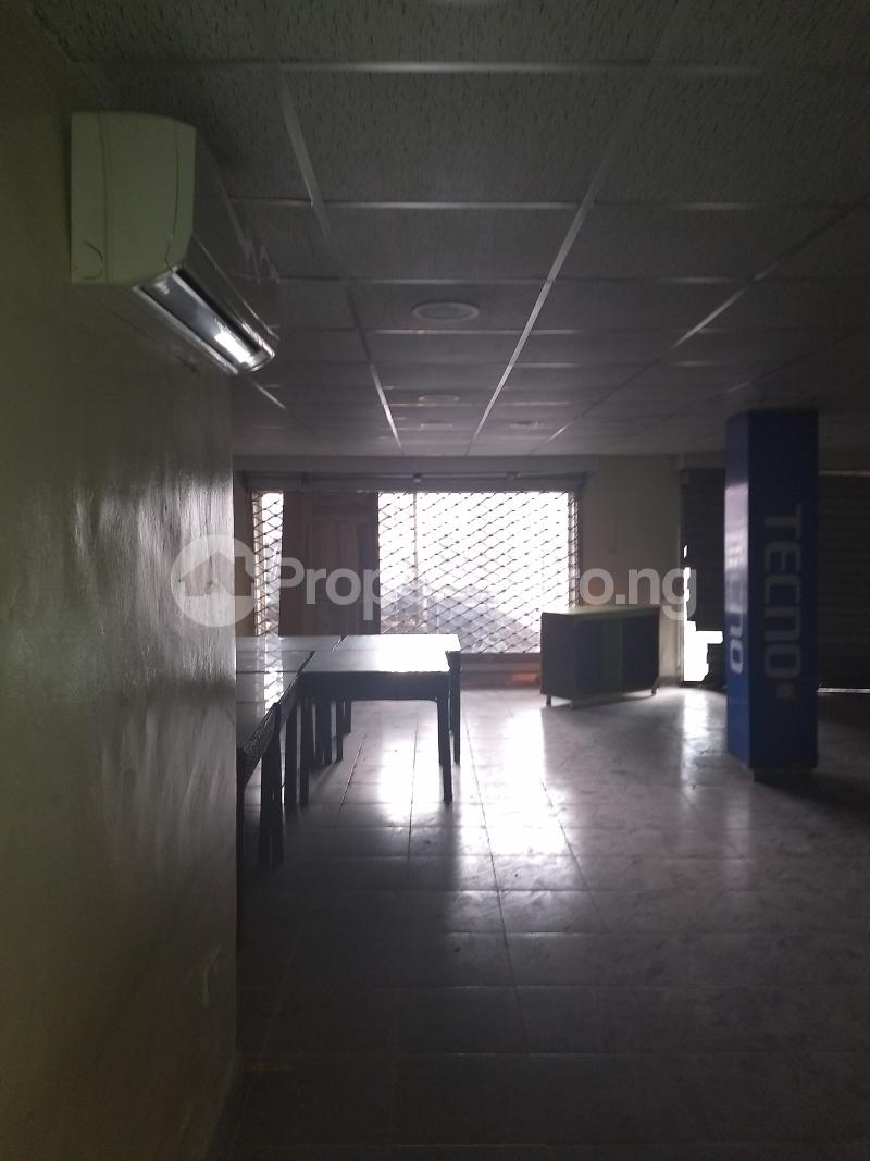 Show Room Commercial Property for rent bode Thomas Bode Thomas Surulere Lagos - 1