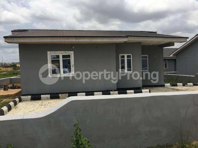 3 bedroom Terraced Bungalow House for sale Alafara Idishin Ibadan Oyo - 0
