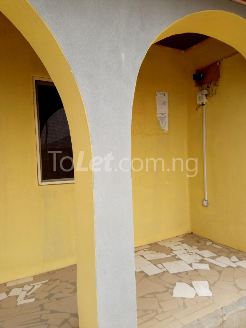 3 bedroom Flat / Apartment for rent bolakale street Kwara - 1