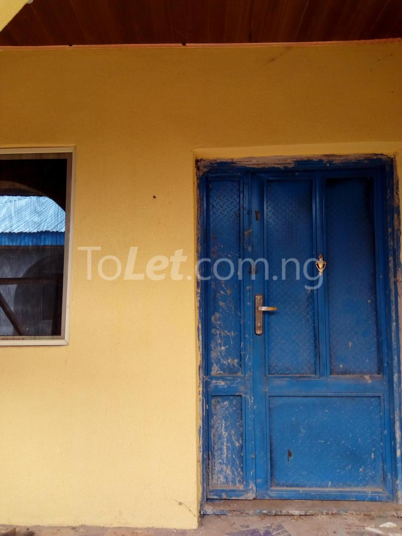 3 bedroom Flat / Apartment for rent bolakale street Kwara - 3