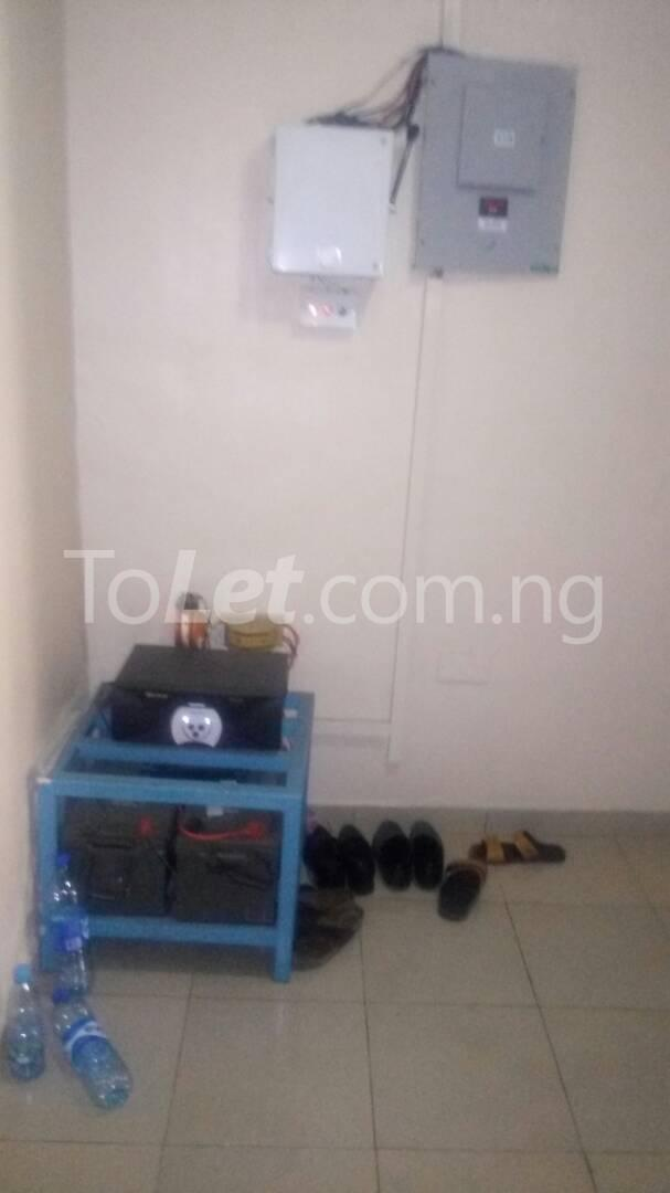 2 bedroom Flat / Apartment for rent - Randle Avenue Surulere Lagos - 17