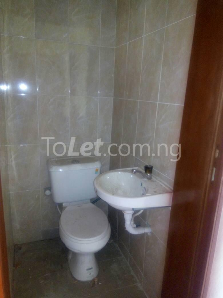 2 bedroom Flat / Apartment for rent Bajulaye  Fola Agoro Yaba Lagos - 4