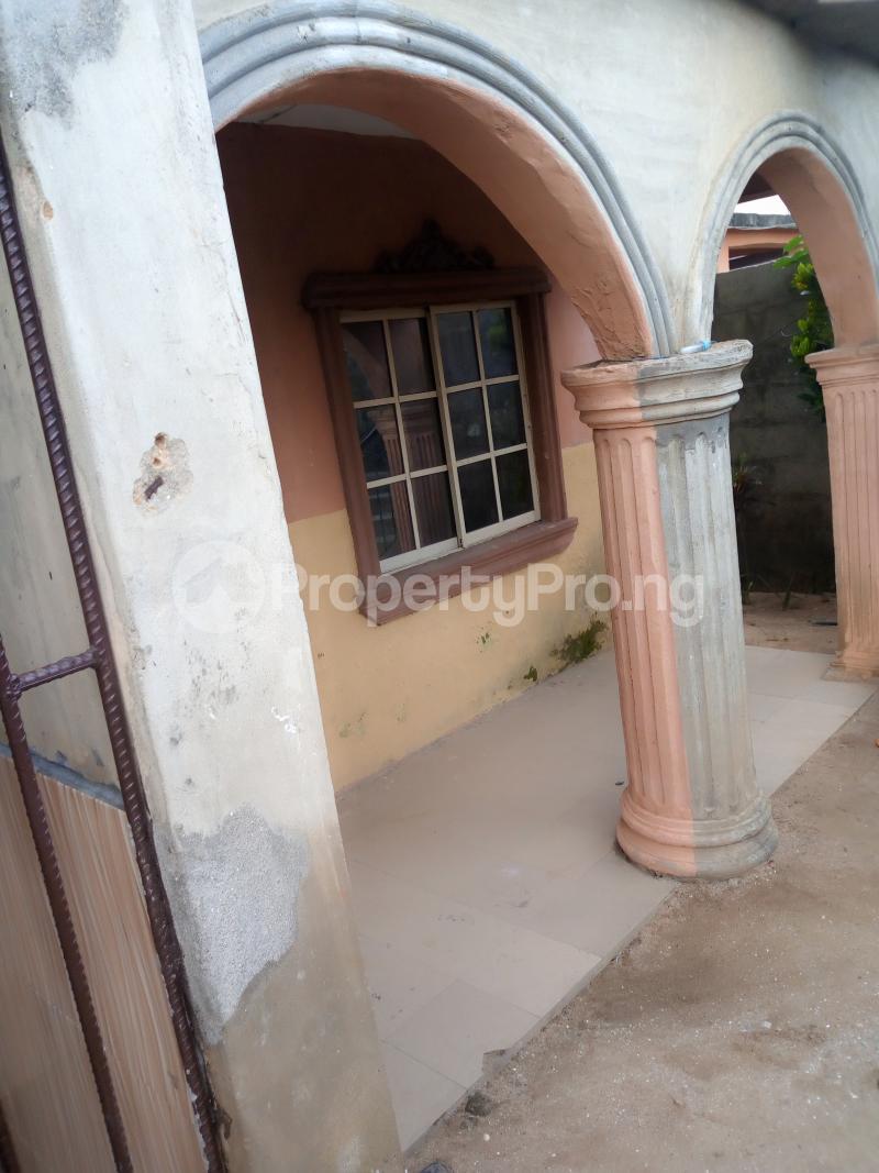 2 bedroom Self Contain Flat / Apartment for rent Araromi street off Akinniba Ajangbadi Ojo Lagos - 0