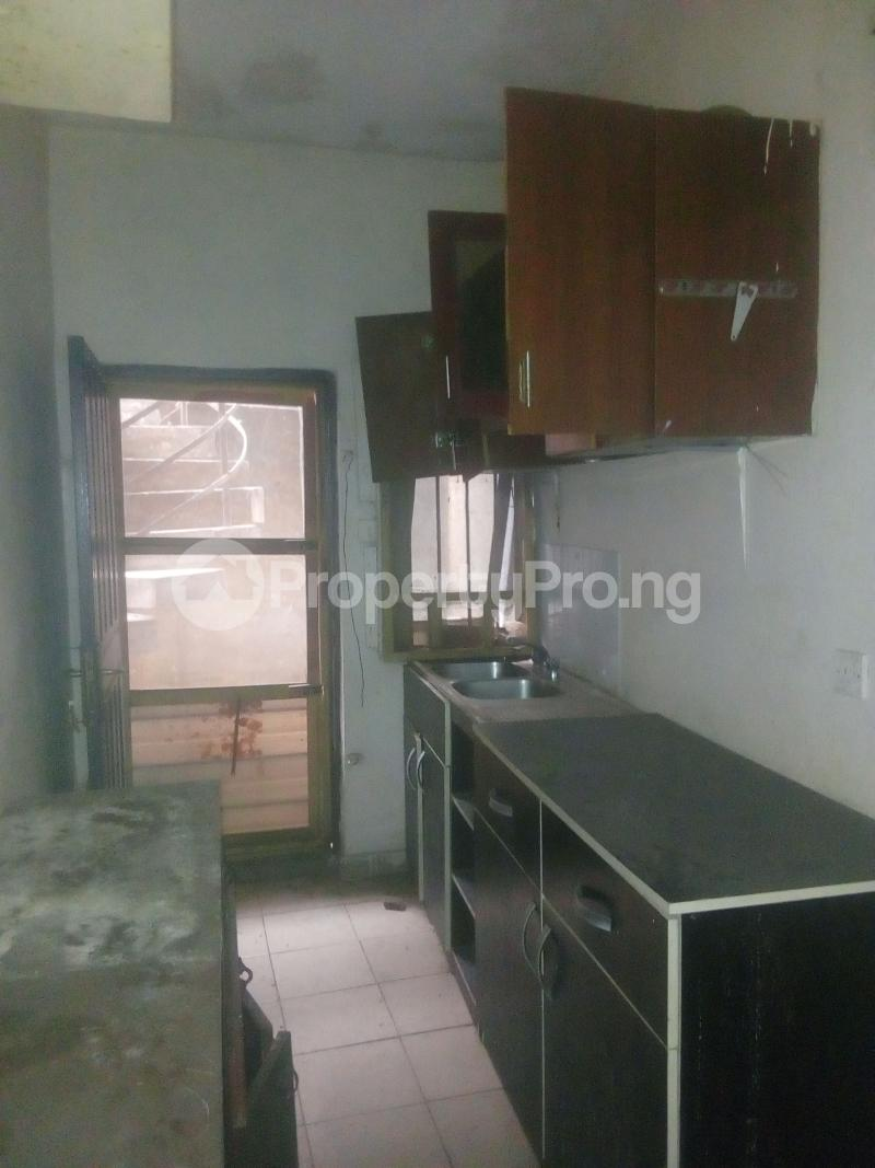 2 bedroom Flat / Apartment for rent Victor olaiya street off ademola ojomo  Aguda Surulere Lagos - 5