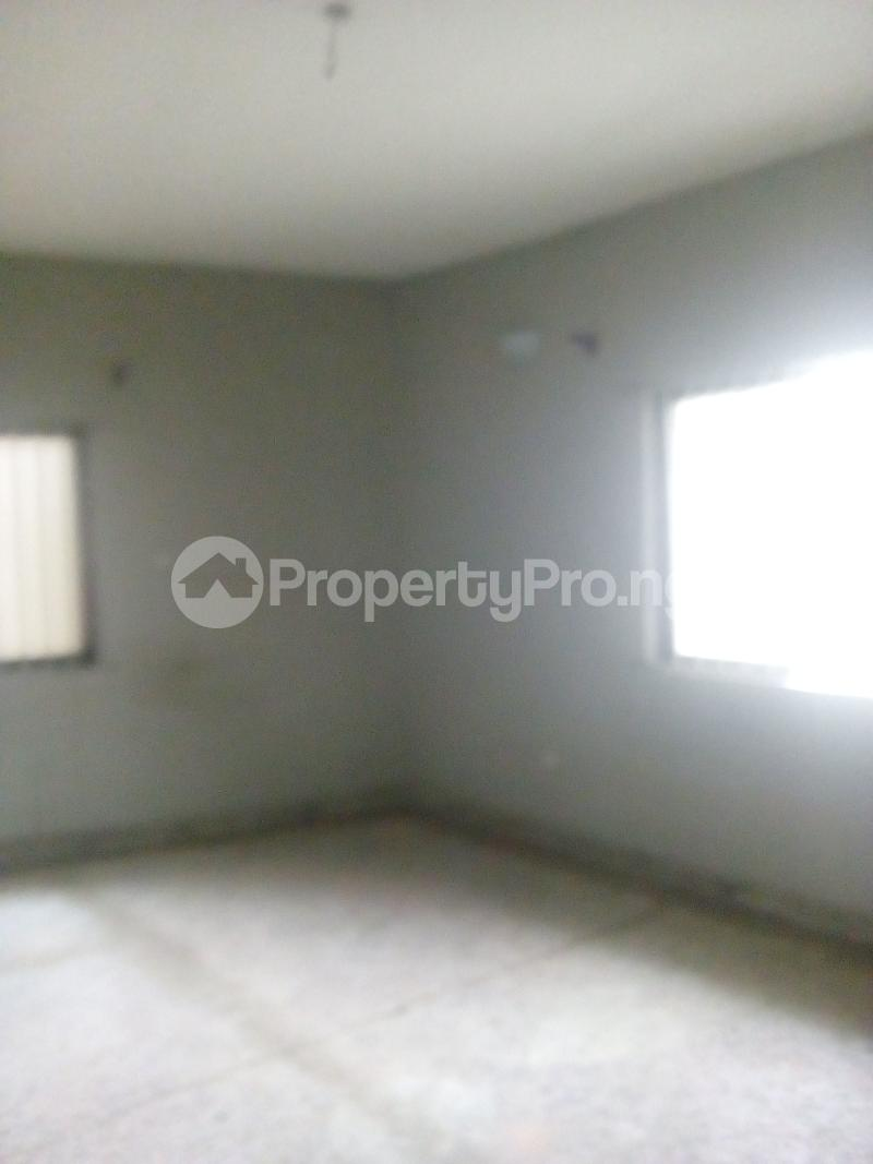 2 bedroom Flat / Apartment for rent Victor olaiya street off ademola ojomo  Aguda Surulere Lagos - 7