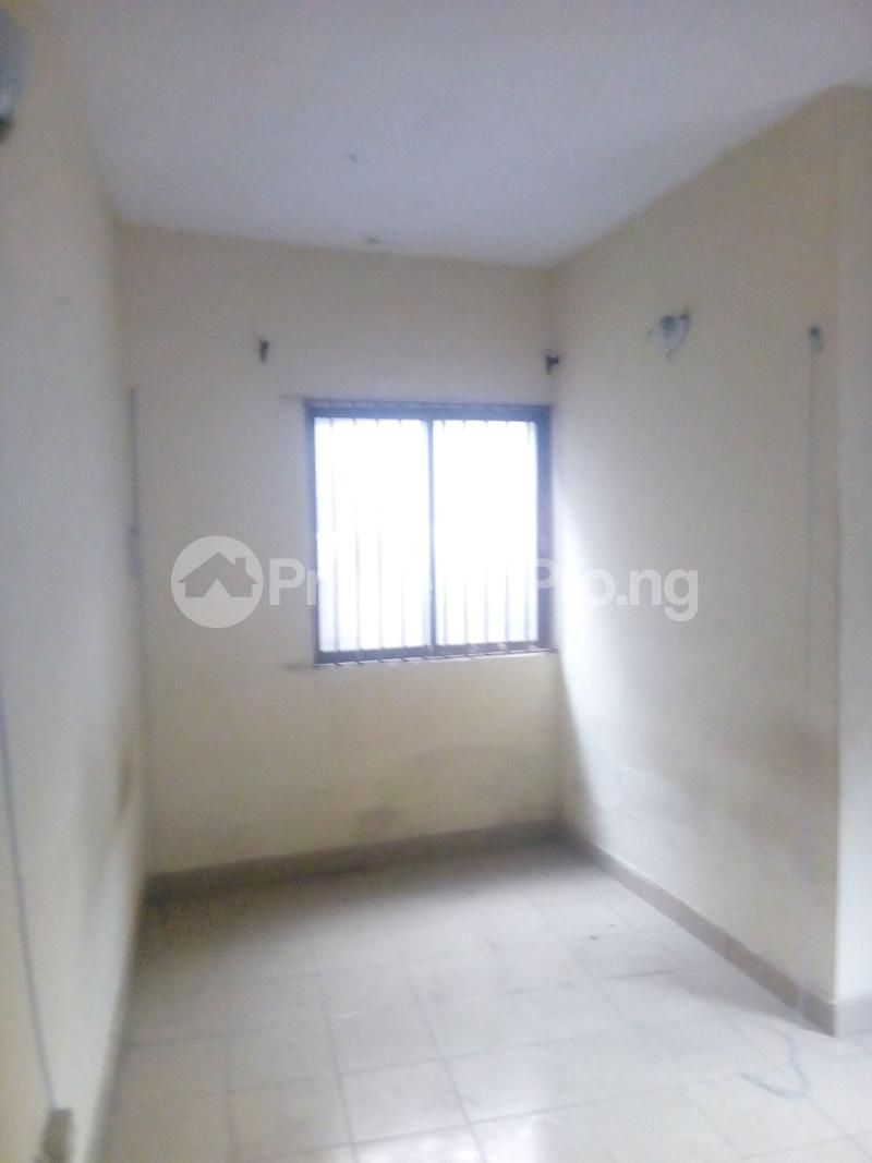2 bedroom Flat / Apartment for rent Victor olaiya street off ademola ojomo  Aguda Surulere Lagos - 6