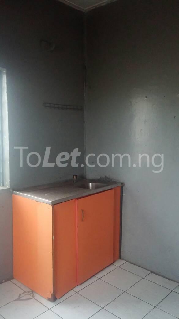 2 bedroom Flat / Apartment for rent off Ogunlana drive Ogunlana Surulere Lagos - 2