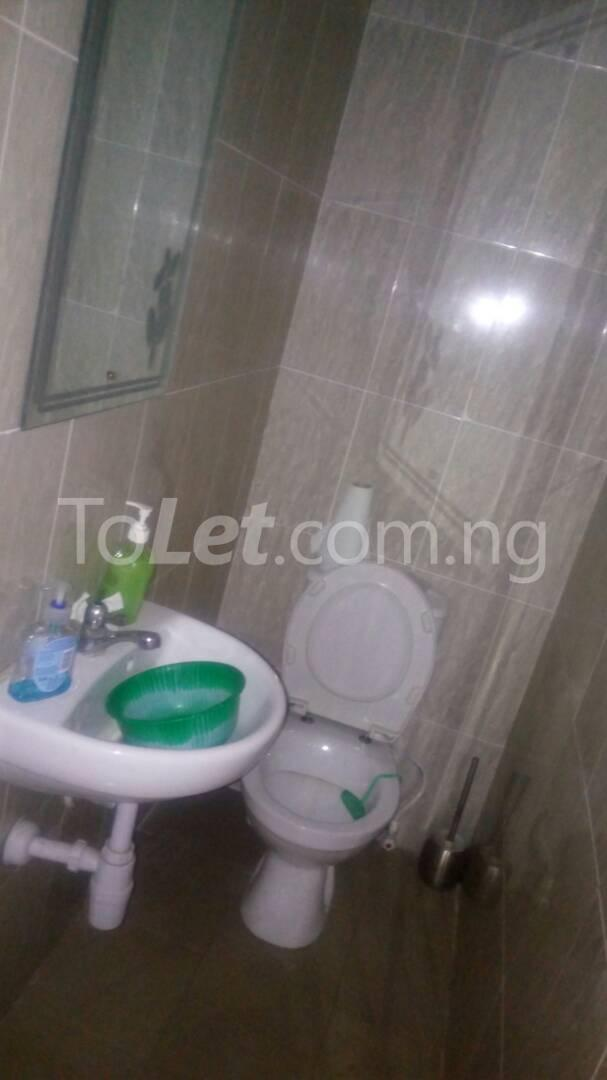 2 bedroom Flat / Apartment for rent - Randle Avenue Surulere Lagos - 23