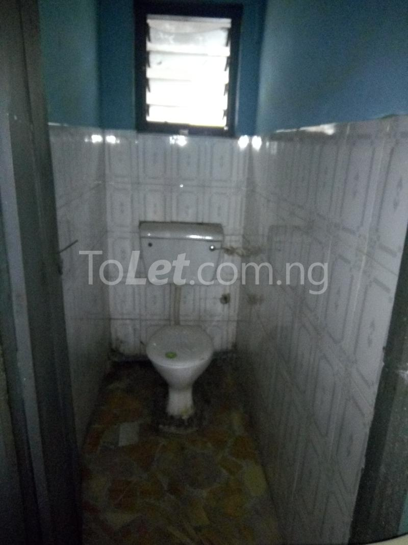 2 bedroom Flat / Apartment for rent Off Pedro road  Palmgroove Shomolu Lagos - 3