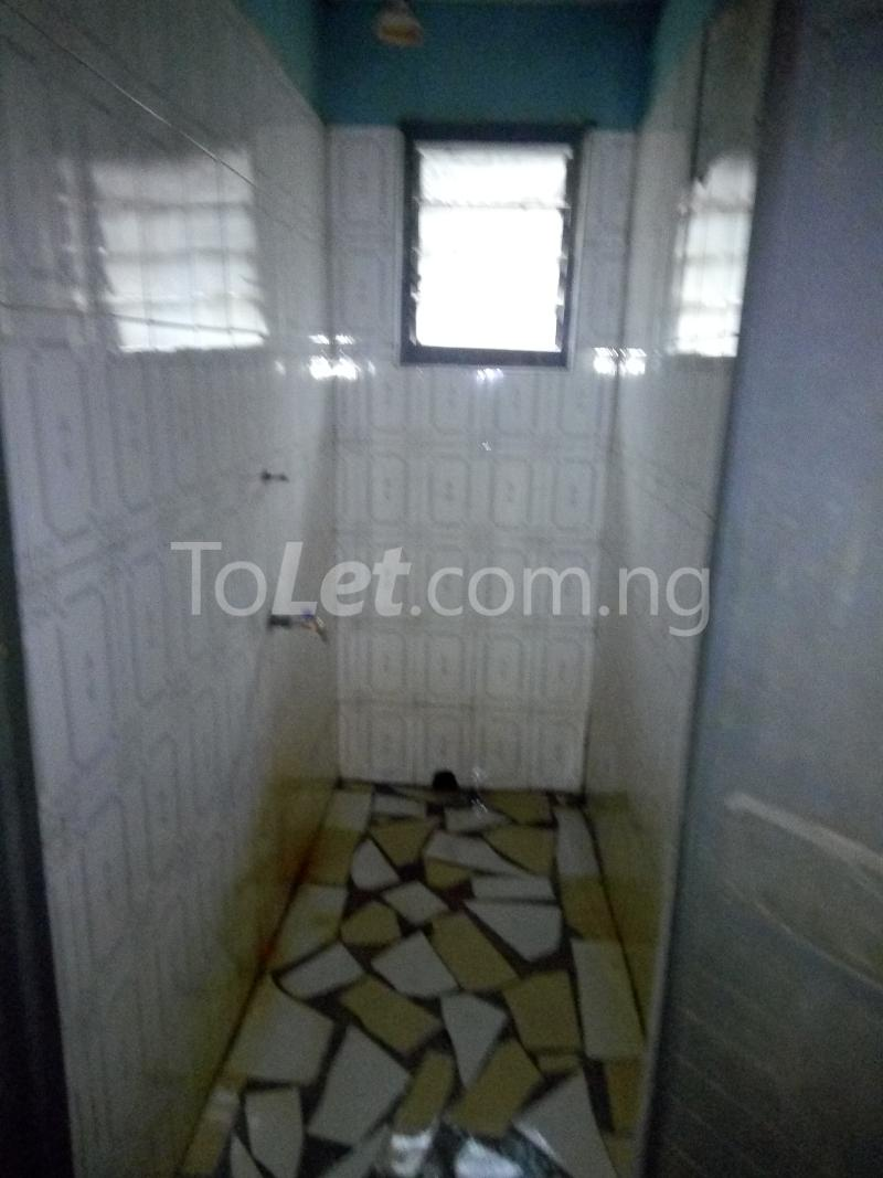 2 bedroom Flat / Apartment for rent Off Pedro road  Palmgroove Shomolu Lagos - 4