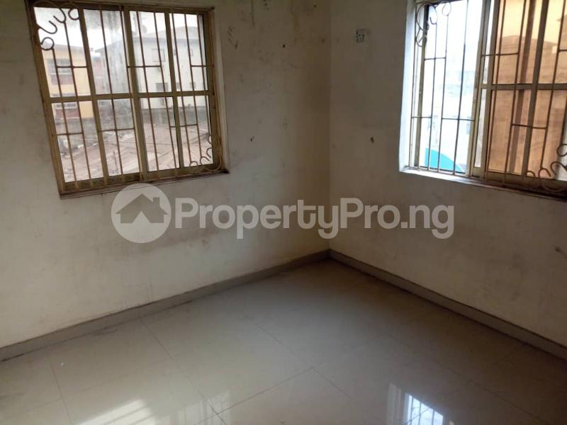 2 bedroom Flat / Apartment for rent Off Morroco Road  Abule-Ijesha Yaba Lagos - 3