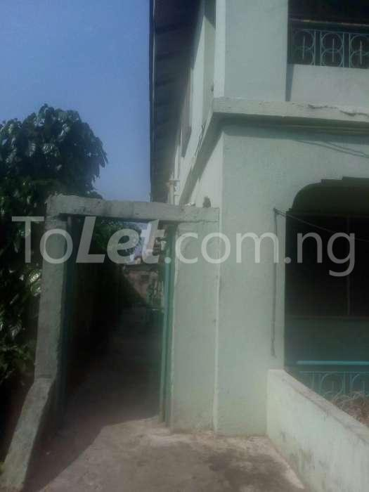 2 bedroom Flat / Apartment for sale fasheun close, off nathan street  Ojuelegba Surulere Lagos - 1