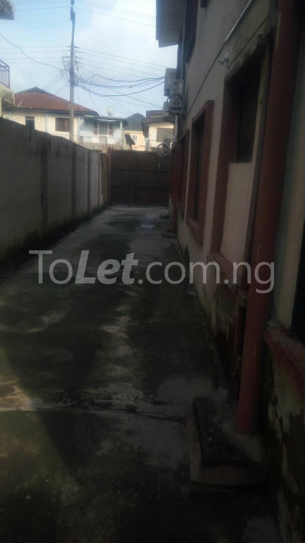 2 bedroom Flat / Apartment for rent - Randle Avenue Surulere Lagos - 0