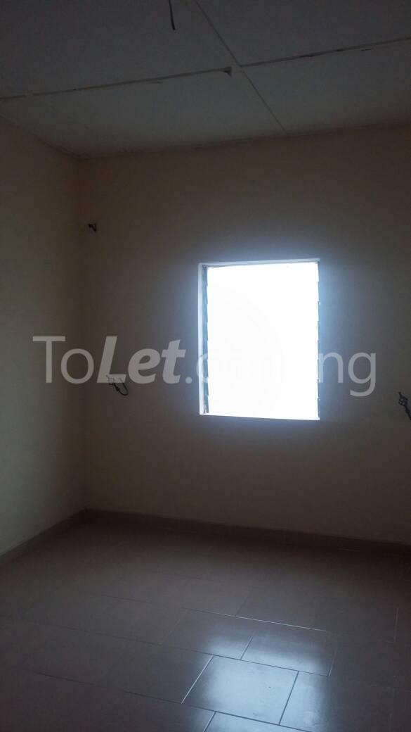 2 bedroom Flat / Apartment for rent off Ogunlana drive Ogunlana Surulere Lagos - 6