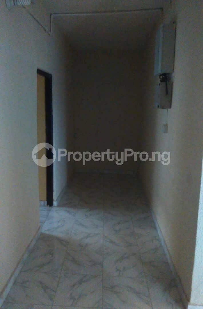 2 bedroom Flat / Apartment for rent Agbonyi street off  Adelabu Surulere Lagos - 3