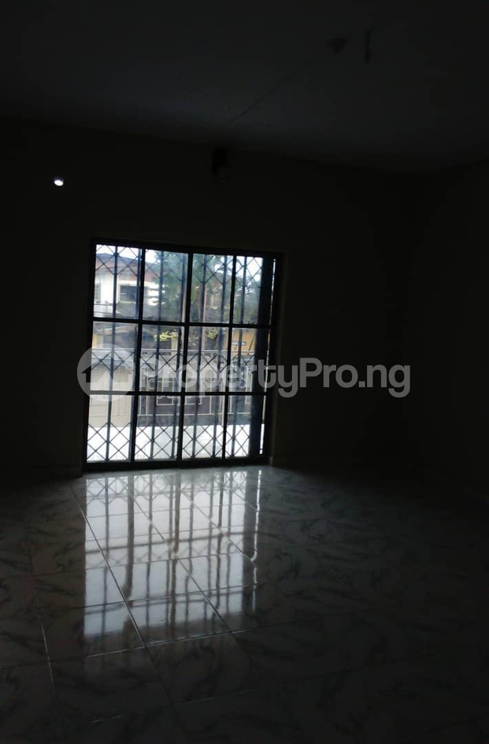 2 bedroom Flat / Apartment for rent Agbonyi street off  Adelabu Surulere Lagos - 4