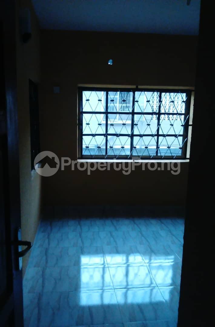 2 bedroom Flat / Apartment for rent Agbonyi street off  Adelabu Surulere Lagos - 2