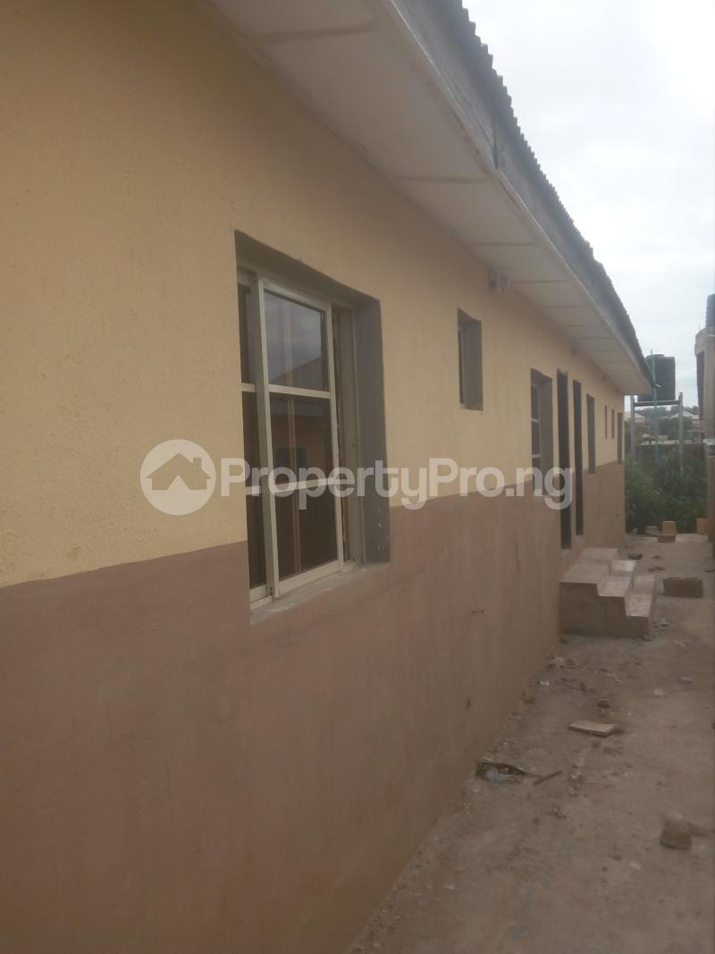 2 bedroom Self Contain Flat / Apartment for rent Christ High School  Ashipa Rd off Akala express  Akala Express Ibadan Oyo - 1
