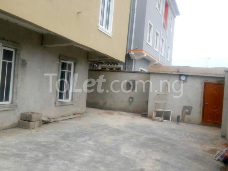 2 bedroom Flat / Apartment for rent Bajulaye  Fola Agoro Yaba Lagos - 1