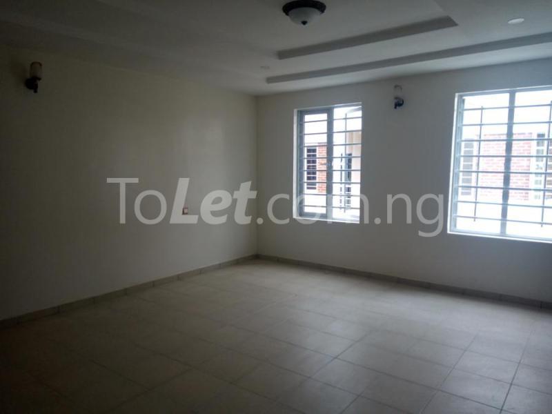 2 bedroom House for sale mini estate along Orchid Hotel Road chevron Lekki Lagos - 9
