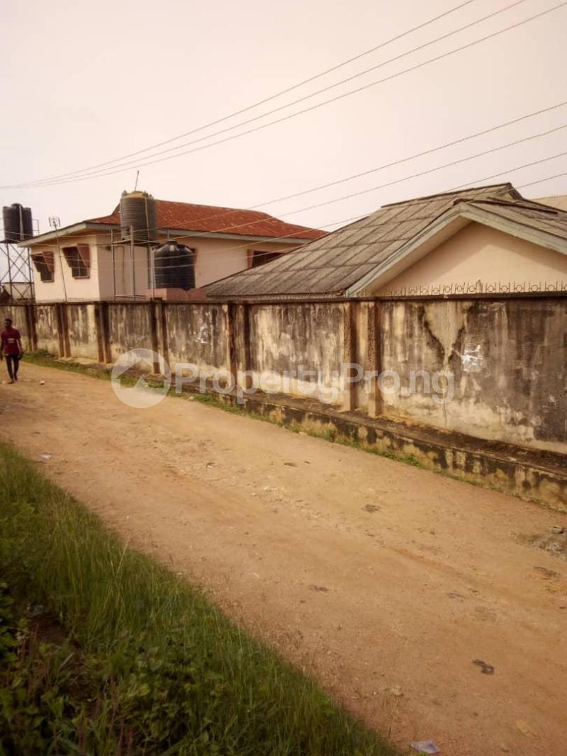 10 bedroom Blocks of Flats House for sale  oyedemi close to adetokun,ologuneru eleyele ibadan Ido Oyo - 2