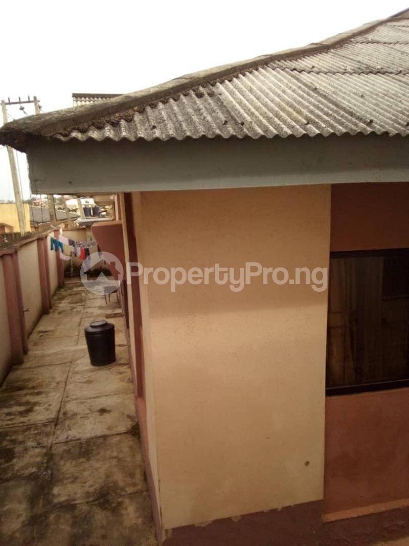 10 bedroom Blocks of Flats House for sale  oyedemi close to adetokun,ologuneru eleyele ibadan Ido Oyo - 1
