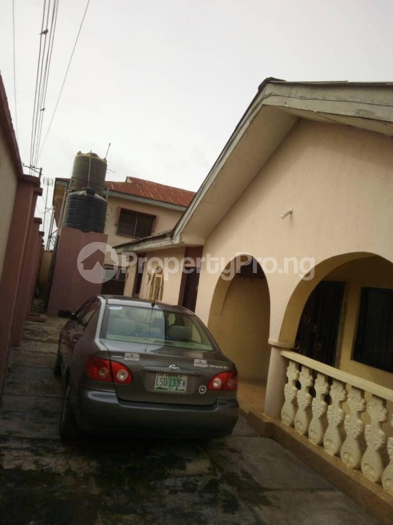 10 bedroom Blocks of Flats House for sale  oyedemi close to adetokun,ologuneru eleyele ibadan Ido Oyo - 18