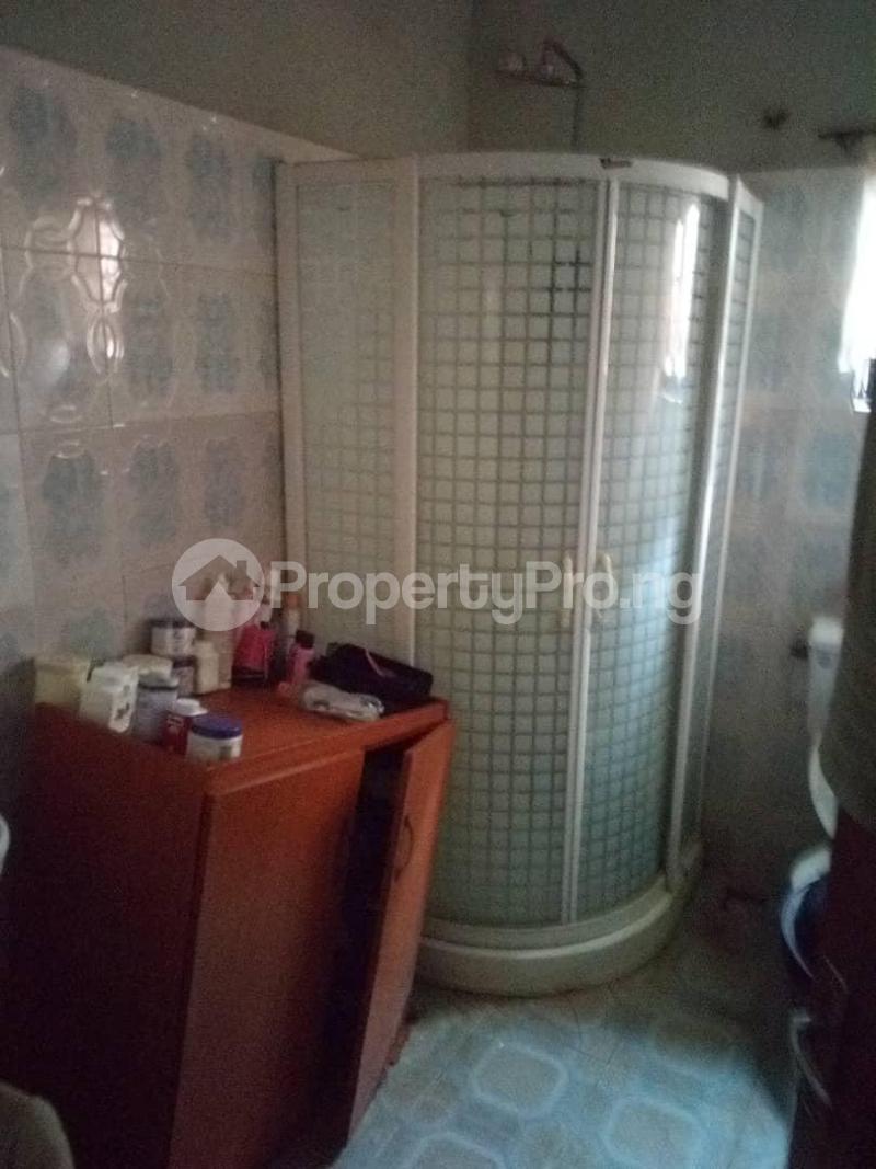 10 bedroom Blocks of Flats House for sale  oyedemi close to adetokun,ologuneru eleyele ibadan Ido Oyo - 7