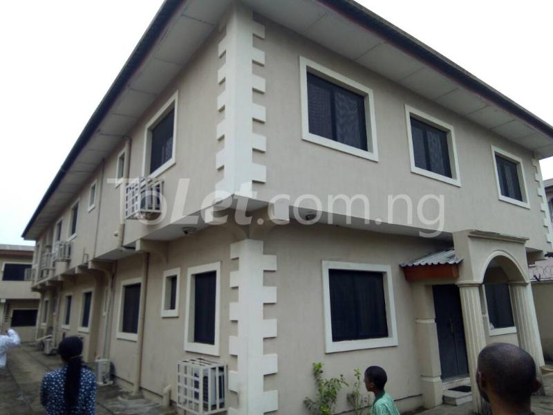 2 bedroom flat / apartment for rent onigbongbo maryland lagos (pid