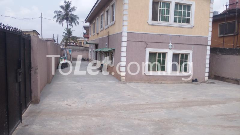 2 bedroom Flat / Apartment for sale Off Bajulaye Road Folagoro  Bariga Shomolu Lagos - 0