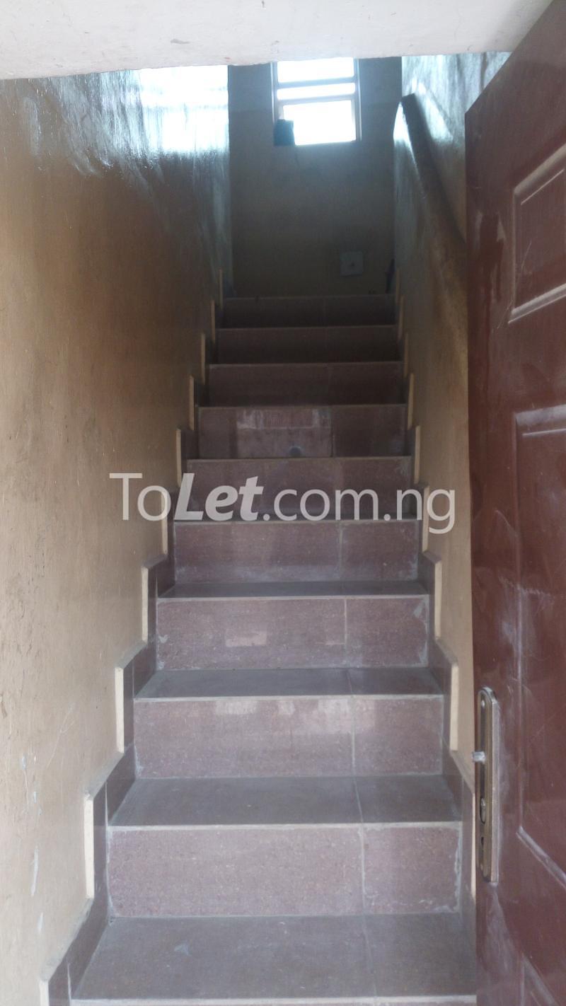 2 bedroom Flat / Apartment for sale Off Bajulaye Road Folagoro  Bariga Shomolu Lagos - 4