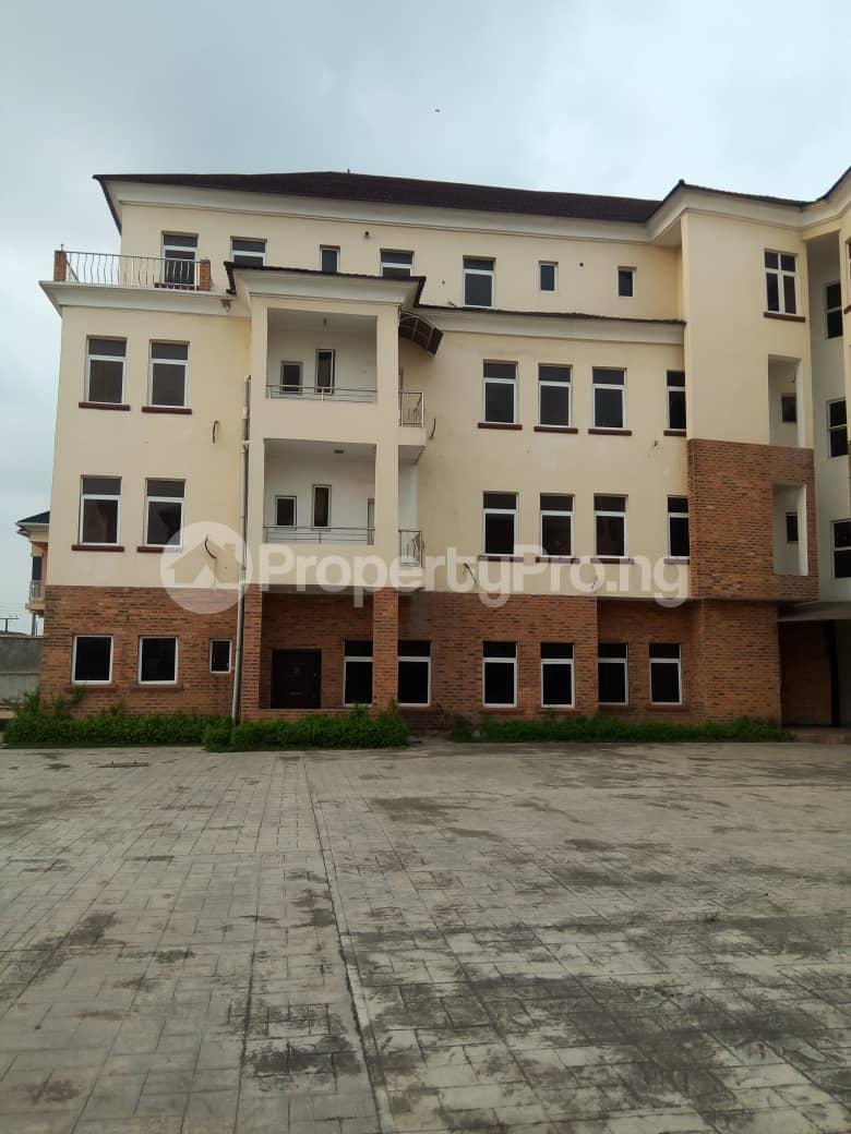4 bedroom Penthouse Flat / Apartment for sale Chevy View Estate chevron Lekki Lagos - 3