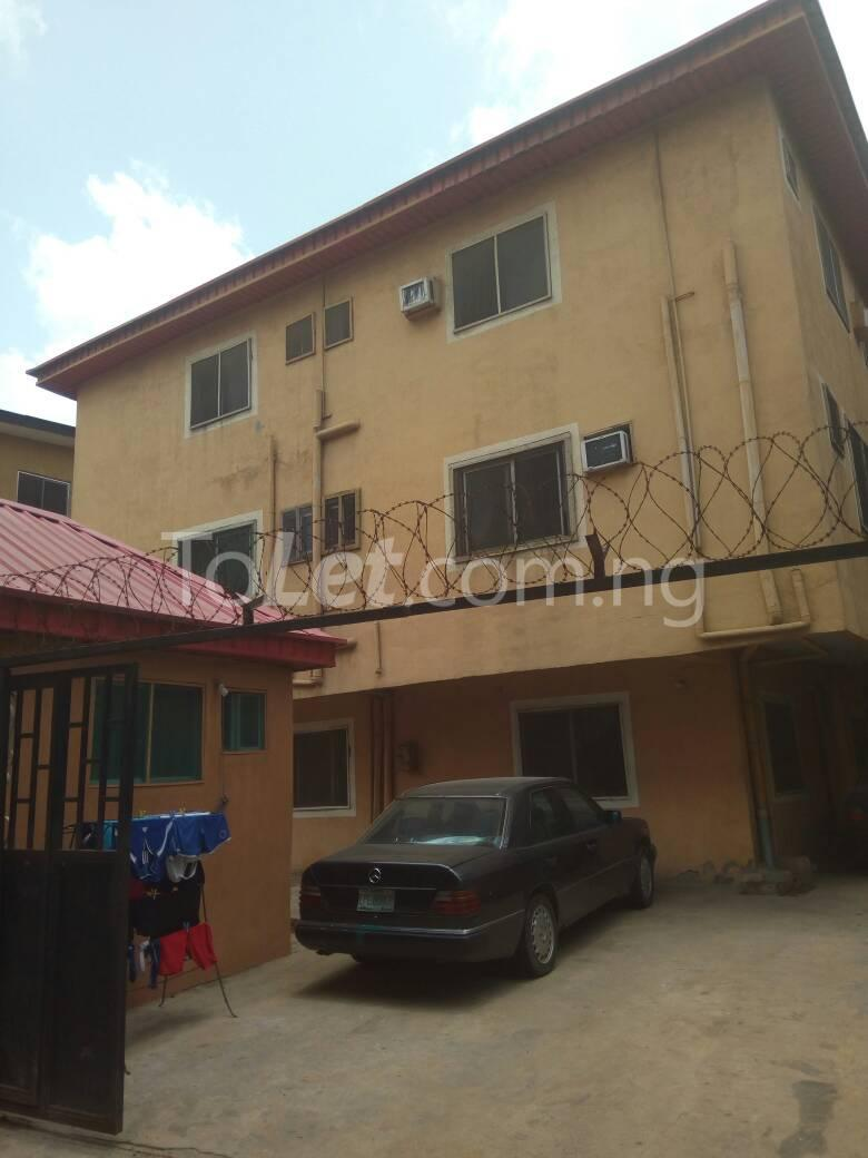 4 bedroom Flat / Apartment for sale Aguda Lagos - 1