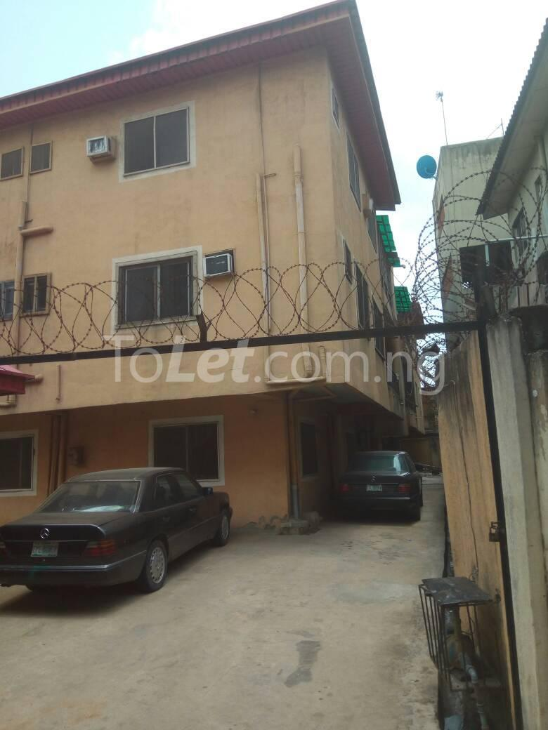 4 bedroom Flat / Apartment for sale Aguda Lagos - 2