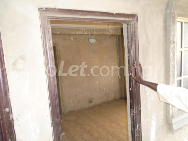 2 bedroom Flat / Apartment for rent - Ojuelegba Surulere Lagos - 2