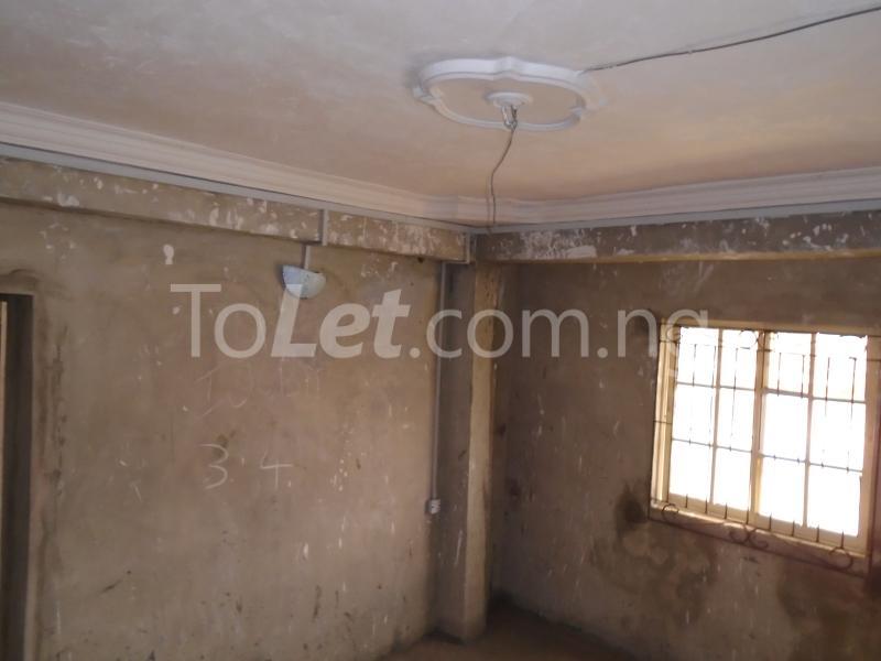 2 bedroom Flat / Apartment for rent - Ojuelegba Surulere Lagos - 3