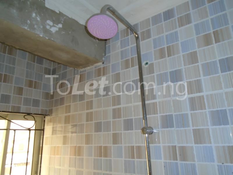 2 bedroom Flat / Apartment for rent - Ojuelegba Surulere Lagos - 9