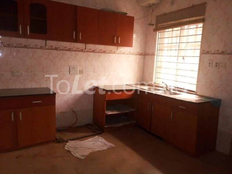 5 bedroom House for rent Bakare Street, Beside Imaad School, Bakare Estate, chevron Lekki Lagos - 9