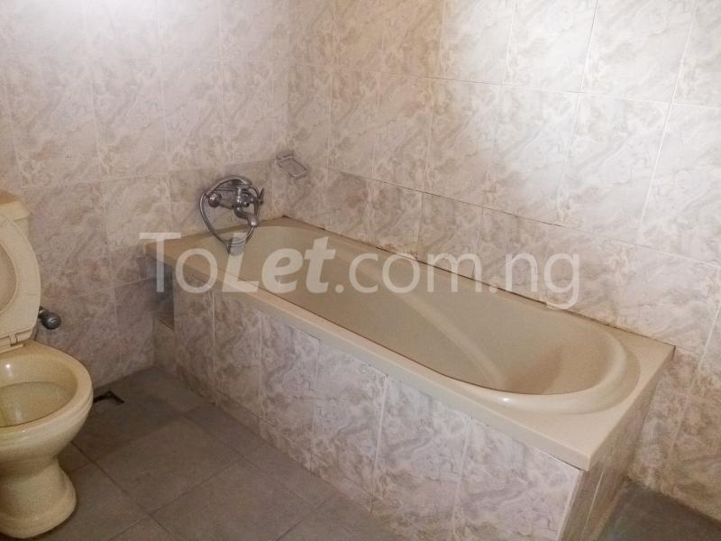 5 bedroom House for rent Bakare Street, Beside Imaad School, Bakare Estate, chevron Lekki Lagos - 11