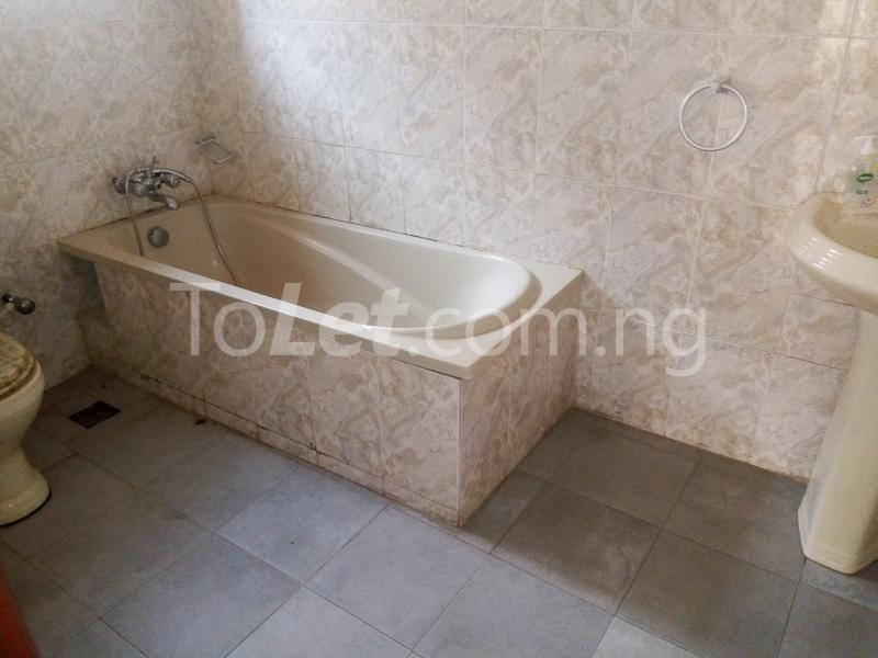 5 bedroom House for rent Bakare Street, Beside Imaad School, Bakare Estate, chevron Lekki Lagos - 13