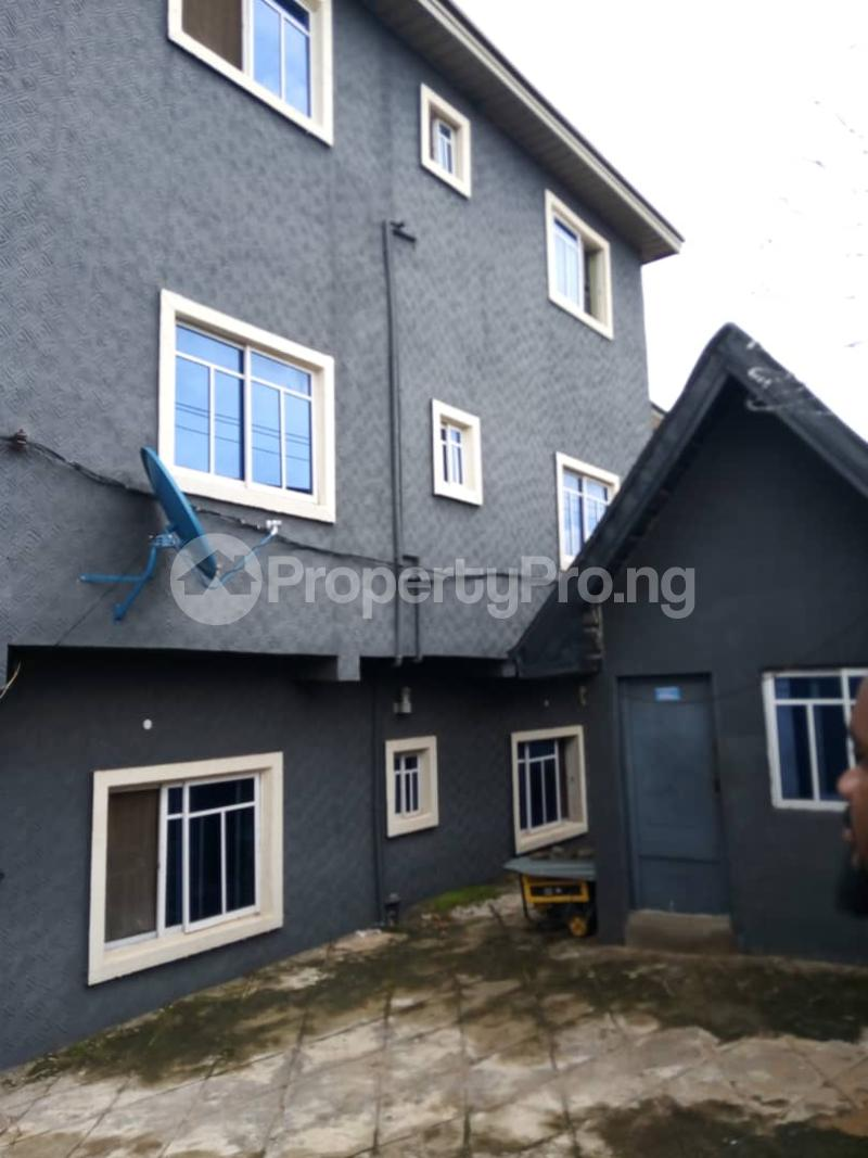 3 bedroom Blocks of Flats House for sale Beside Commissioners Quarters, Awka. Awka South Anambra - 3