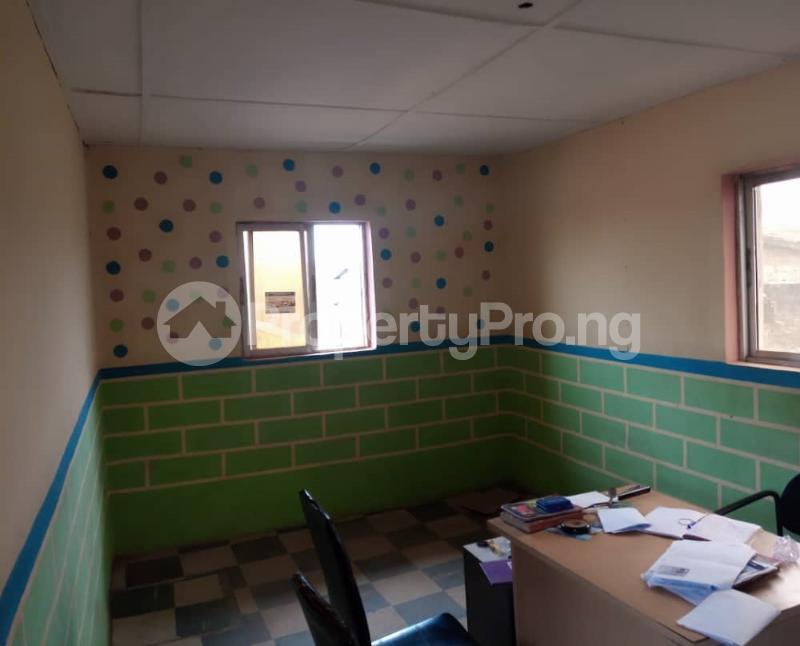 Shop Commercial Property for sale alasia bus stop Amuloko area ibadan Ibadan Oyo - 5