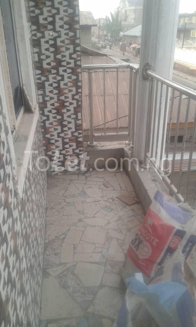 2 bedroom Flat / Apartment for rent Herbert Macaulay way Alagomeji Yaba Lagos - 3