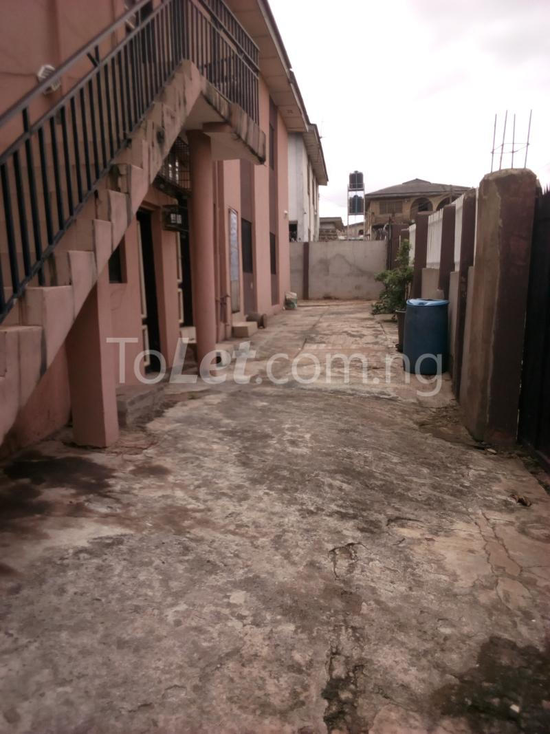 2 bedroom Mini flat Flat / Apartment for rent Ade-Ojo Estate, Old-Ife Road Ibadan north west Ibadan Oyo - 1