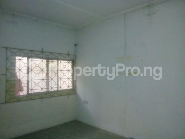 2 bedroom Flat / Apartment for rent adegoke crescent off ogunlana drive Ogunlana Surulere Lagos - 2