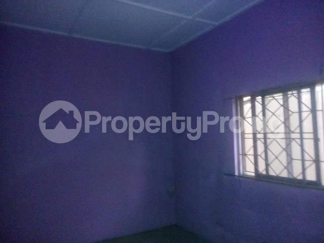 2 bedroom Flat / Apartment for rent adegoke crescent off ogunlana drive Ogunlana Surulere Lagos - 4