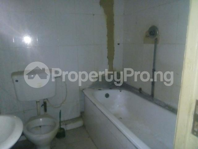 2 bedroom Flat / Apartment for rent adegoke crescent off ogunlana drive Ogunlana Surulere Lagos - 5
