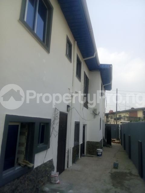 2 bedroom Flat / Apartment for rent adisa bashau street off  Adelabu Surulere Lagos - 7